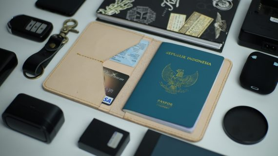 Passport Case Natural
